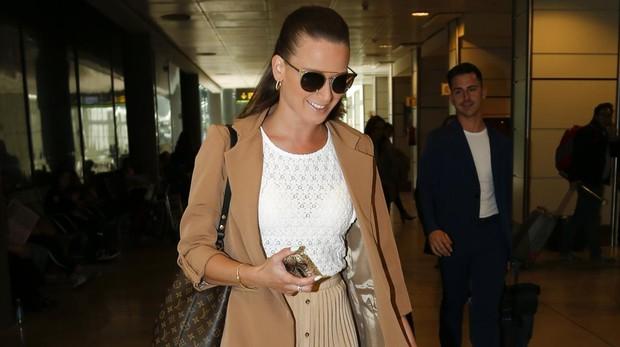 Yana Olina en el aeropuerto