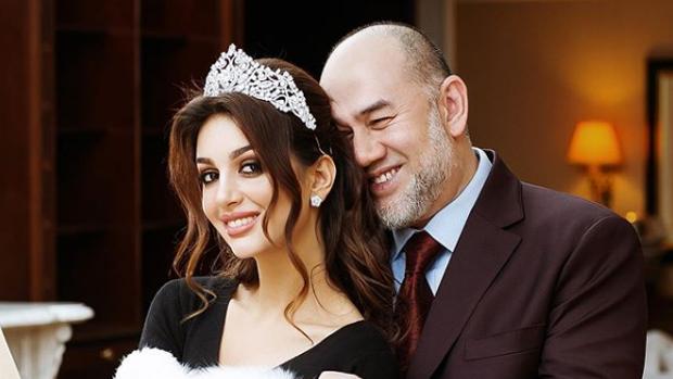 Mohamed V de Kelantan i Rihana Oksana Petra