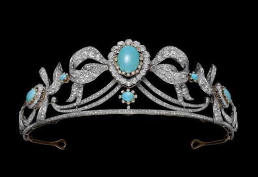 Tiara de platino, diamantes y turquesas, propiedad de los duques de Montellano