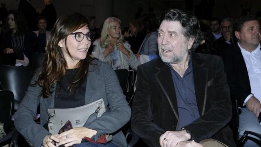 Joaquín Sabina pide matrimonio en verso y de rodillas