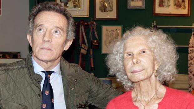 La acomodada vida de Alfonso Diez cinco años después de la muerte de la  Duquesa de Alba