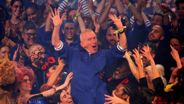 Jean Paul Gaultier dice adiós por la puerta grande