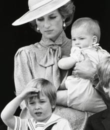 El recuerdo de Lady Di consigue reconciliar a sus hijos