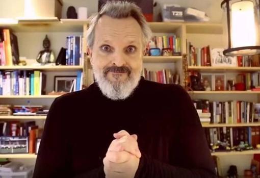 Fotograma de uno de los vídeos que compartió el artista antes de dejar las redes sociales