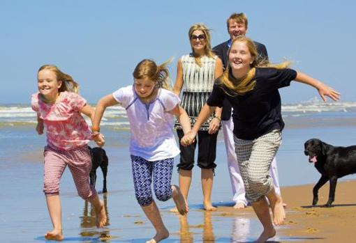 Princess Amalia with her family in summer 2015