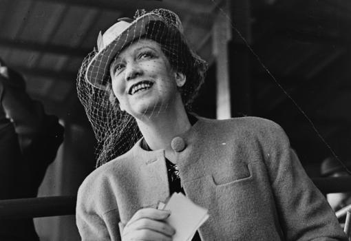 Elizabeth Arden, who made Castillo move to New York in 1945
