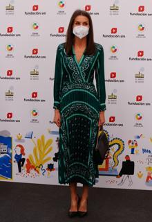 Queen Letizia with Sandro dress in green