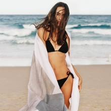 In summer it is possible to undergo treatments to eliminate localized fat with cutting-edge technology such as CoolSculpting or Sculpsure.