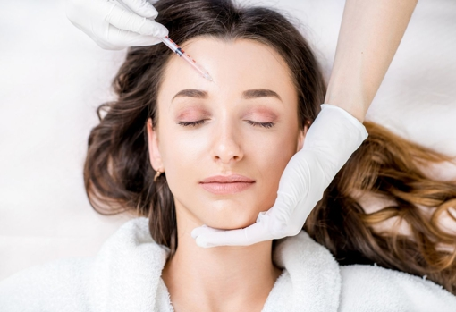 Botox is one of the treatments that, as it has no side effects, can be performed during the summer.