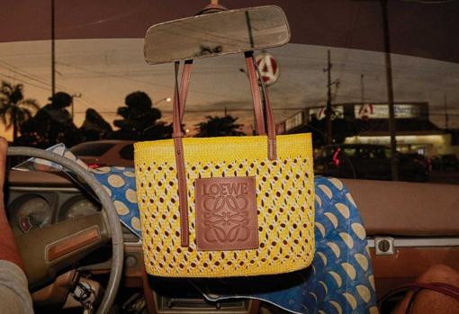 Small Square basket bag in iraca palm and calfskin, from Loewe.  Price: € 490