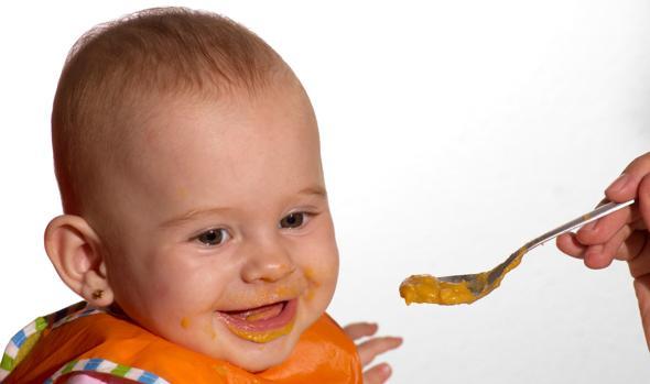 Que frutas pode comer bebe de 6 meses