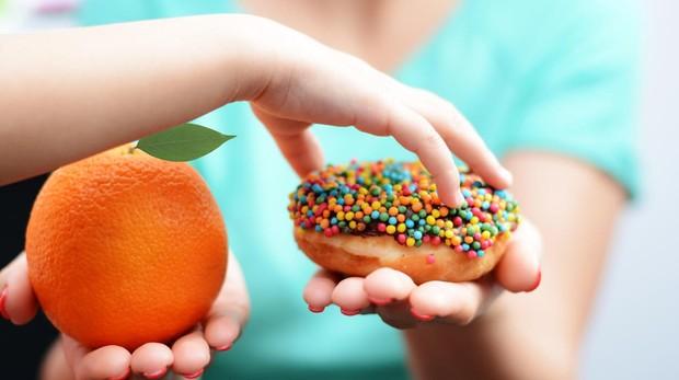 Hay que darles a elegir entre opciones saludables, no ultraprocesadas.