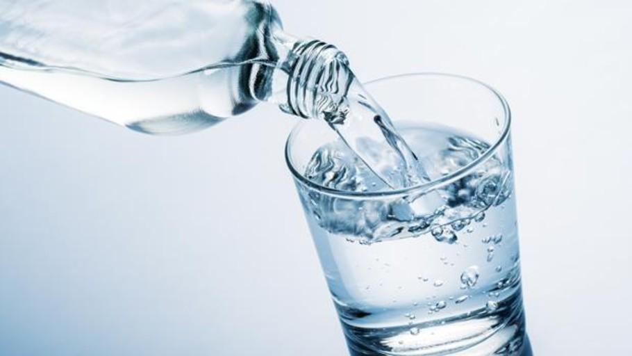 Estos son los momentos de tu vida en los que debes beber más agua ...