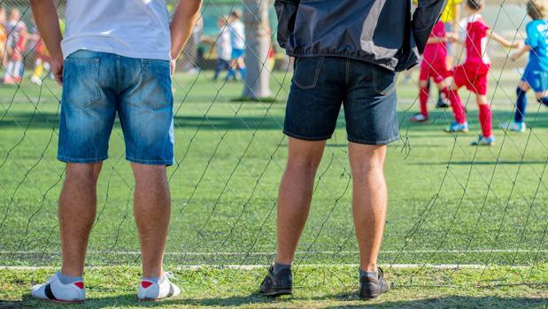 Los profesionales defienfen formar a los padres para evitar la violencia en el deporte