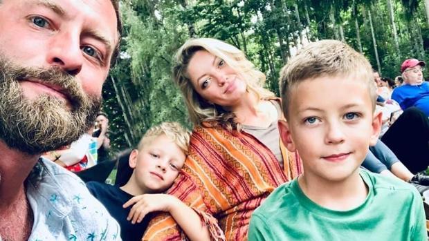 La familia al completo en una imagen poco antes de que el pequeño Wiley, a la derecha, falleciera