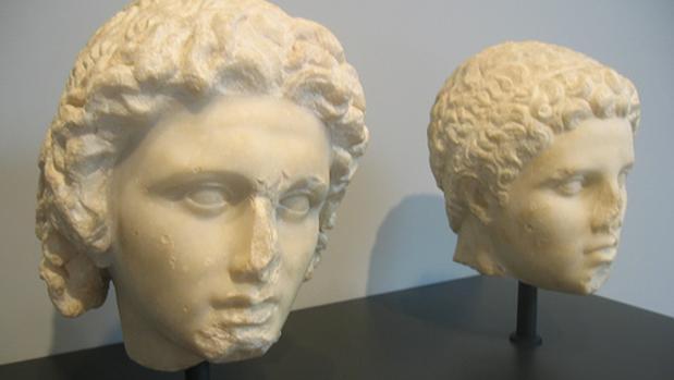 Busto de Alejandro, izquierda, y de Hefestión, derecha