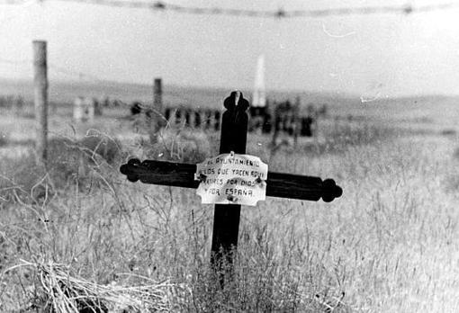 Cruz que cubría una tumba en Paracuellos
