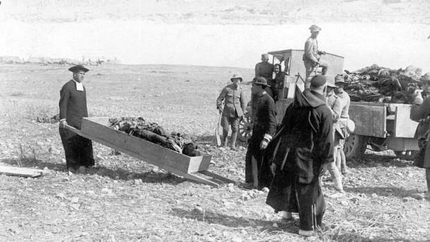 Annual: la mentira de la cobardía de los españoles en la batalla del «foso  de sangre y lodo»