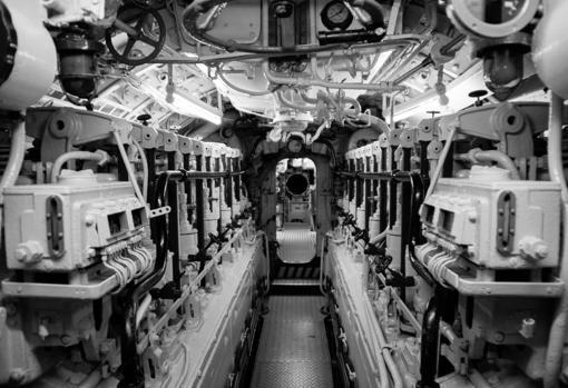 Interior de una de las salas de un submarino alemán