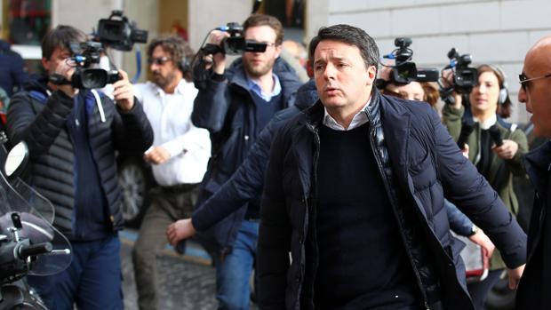 El ex primer ministro, Matteo Renzi, a su llegada esta mañana a la reunión con el PD