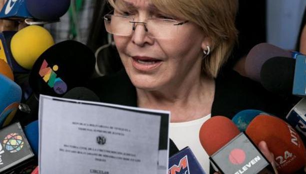 La fiscal general, Luisa Ortega, tras solicitar al Supremo que retire la inmunidad a ocho magistrados de la Sala Constitucional del Supremo, el pasado martes en Caracas