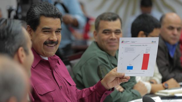 También han sido sancionados Adán Chávez y Argenis Chávez, hermanos del fallecido expresidente Hugo Chávez