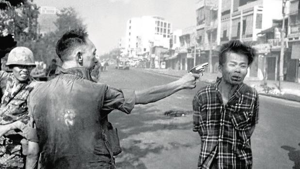 Ejecución de un oficial del Vietcong en Saigón el 1 de febrero de 1968, una foto que dio la vuelta al mundo