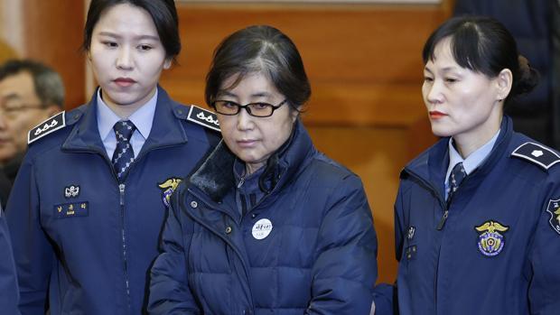 Choi Soon-sil, en la apertura del juicio en enero del año pasado