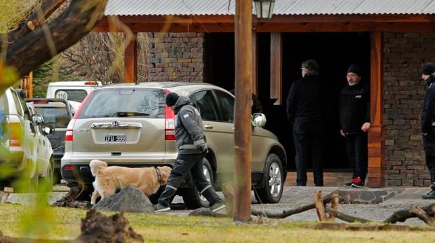 Una de las casas de Cristina Fernández requisada por la policía