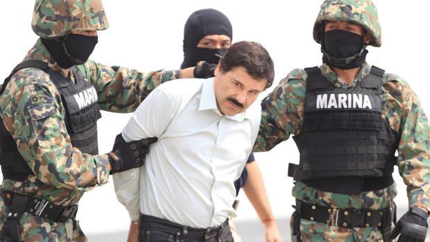 El dirigente del cártel de Sinaloa, Joaquín «El Chapo» Guzmán, tras su detención en 2014