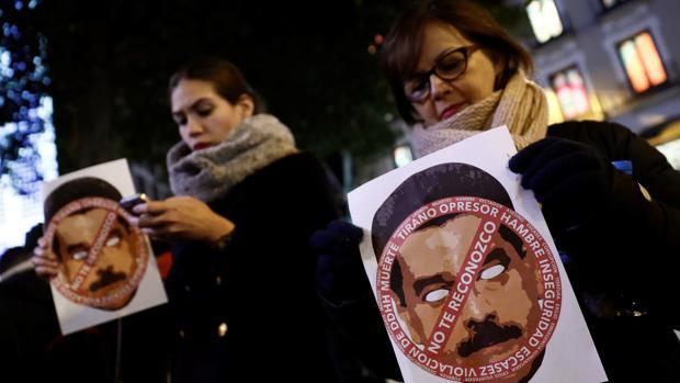 Acto en Madrid contra la ilegítima proclamación de Nicolás Maduro como presidente