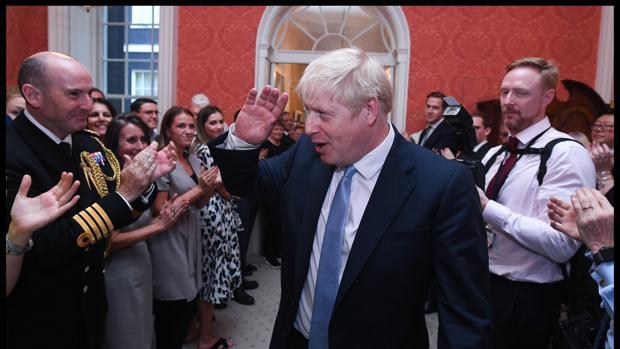Boris Johnson forma un Gabinete para el Brexit rápido o unas elecciones