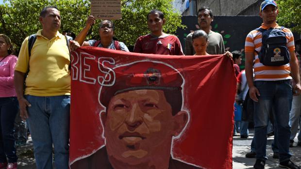 Los chavistas protestan contra el embargo de Trump en Caracas