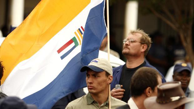 Un tribunal sudafricano restringe la exhibición de la «bandera del apartheid»