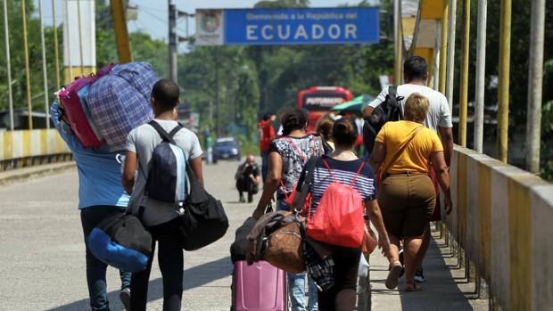 Ecuador exige a los venezolanos un visado que cuesta 50 dólares