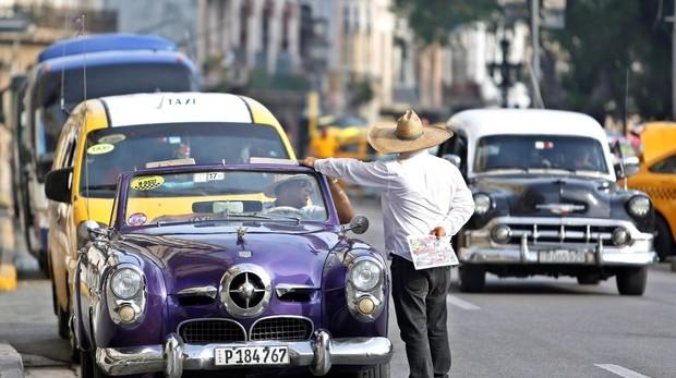 Un tercio de los hogares cubanos vive con un dólar al día