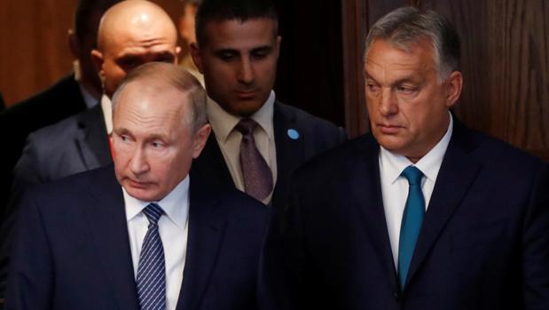 Hungría llama a desmantelar el euro