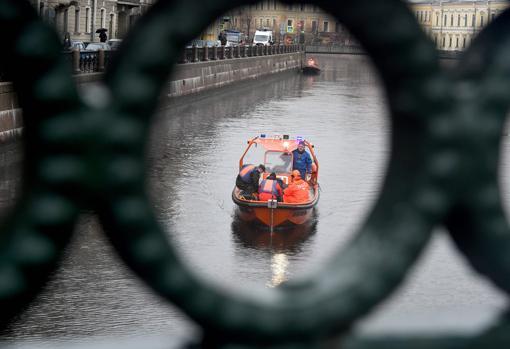 La Policía sacó a Sokolov del río Moïka con la mochila