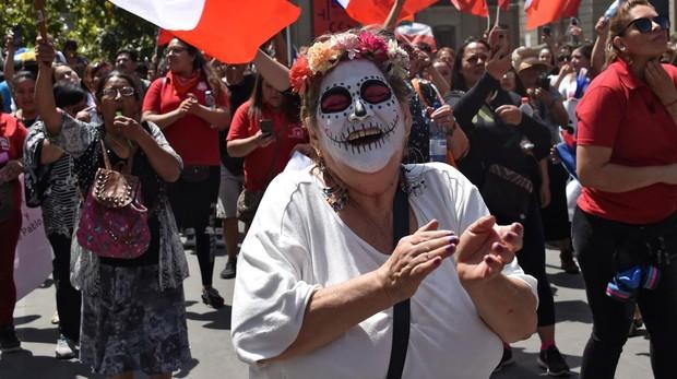 Piñera anuncia una nueva Carta Magna para acabar con la protesta