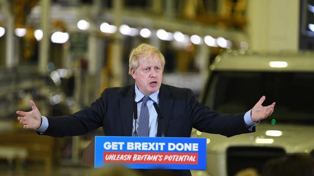 Johnson camina hacia la victoria tras la concesión de Farage