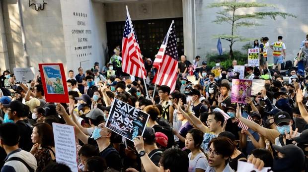 El Senado de EE.UU. pide revisar el trato comercial preferente con Hong Kong si China le quita libertades