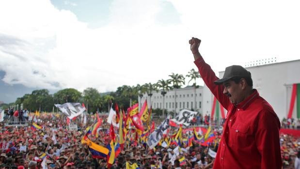 Maduro planea convertir las fábricas en cuarteles
