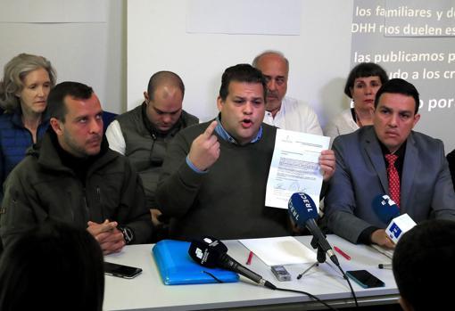 Luis Armando Pérez, Franco Casella y Wilmer Azuaje, durante la presentación de las imágenes a la prensa en Madrid
