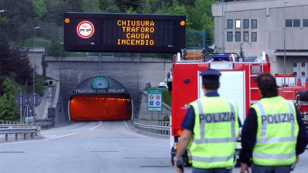 Campaña del Movimiento 5 Estrellas para suspender las concesiones de autopistas italianas a los Benetton