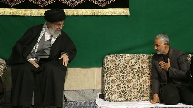 El ayatolá Jamenei amenaza a EE.UU. con una «dura venganza» por la muerte del general Soleimani