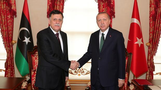 Erdogan pide a Europa que sostenga el Gobierno libio de Al Serraj en la Conferencia de Berlín
