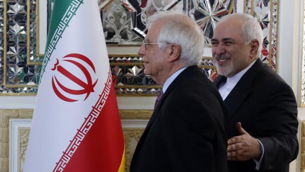Borrell trata de salvar el acuerdo nuclear en su primera visita a Irán