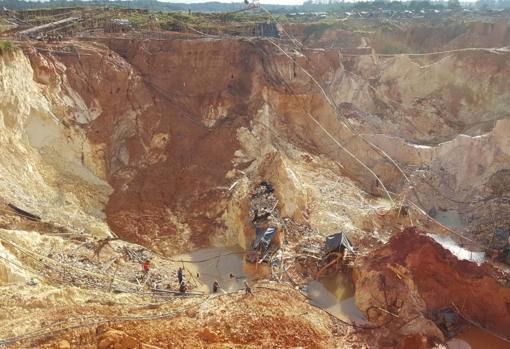 La mina de oro «Ocho muertos» en Las Claritas, en 2016