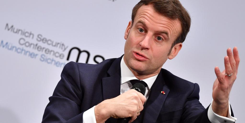 Macron pide a la vez rebajar la tensión con Rusia e imponerle sanciones