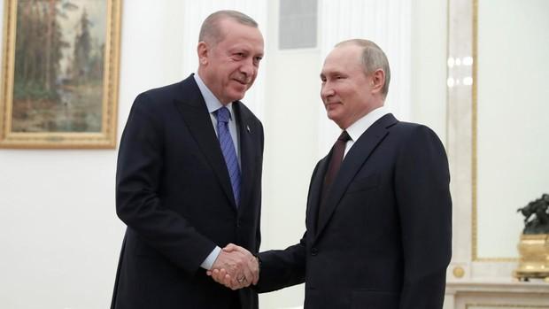 Putin espera hoy a Erdogan en Moscú para buscar una solución al conflicto en Idlib